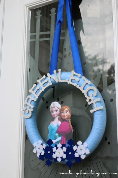 DIY Frozen Door Wreath Decoration