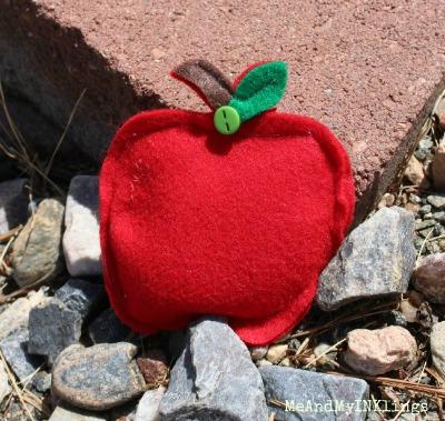 apple-bean-bag-rs