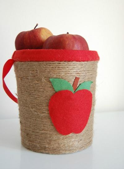 apple-picking-bucket-rs